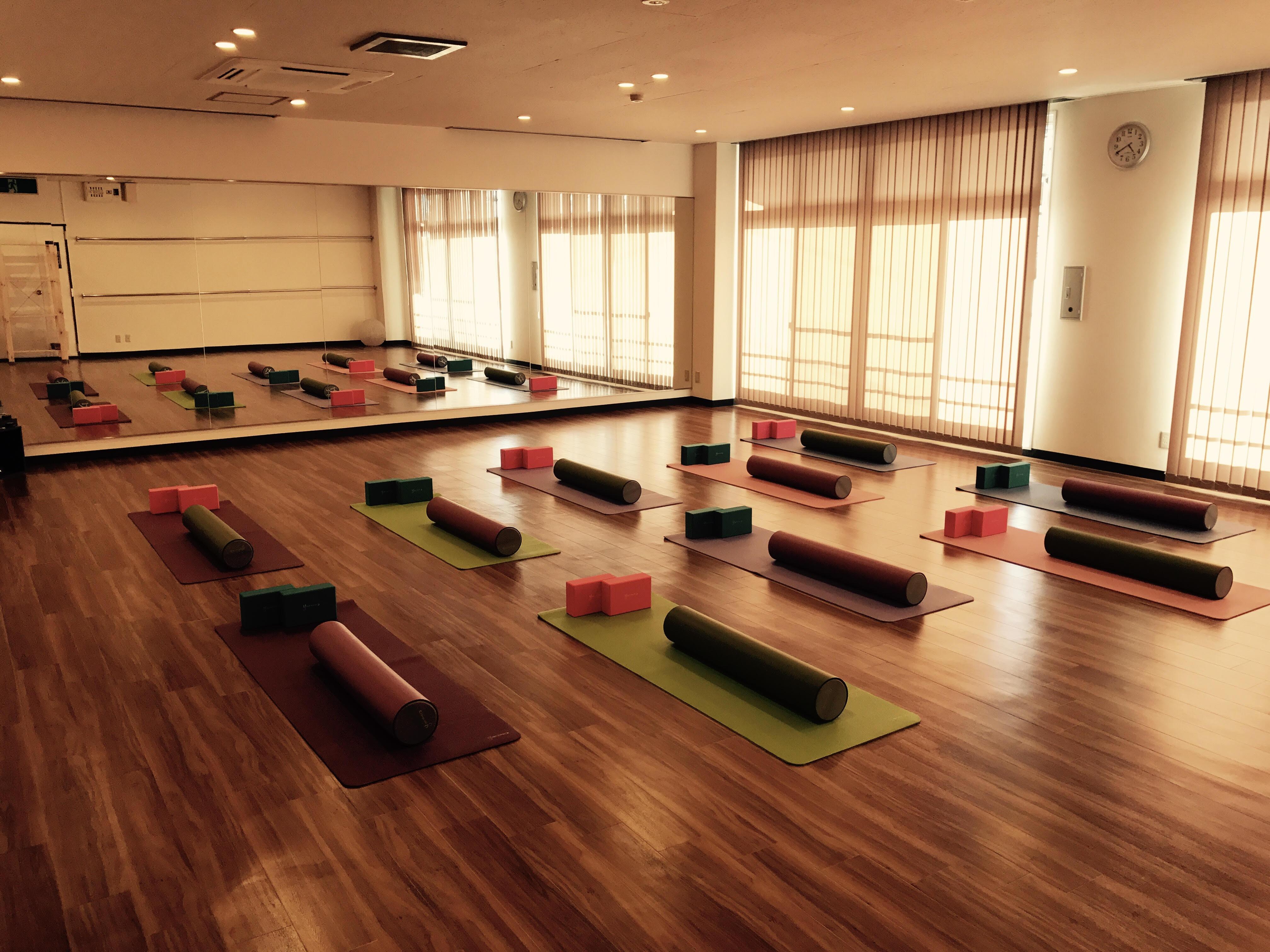 福岡市早良区のヨガ・ピラティス教室・スタジオ情報 - YOGA ROOM